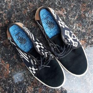 Vans slip on sneakers boat shoes sz 6 black white